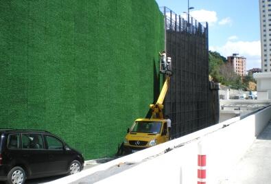 Çim Çit Duvar Kaplama Uygulaması